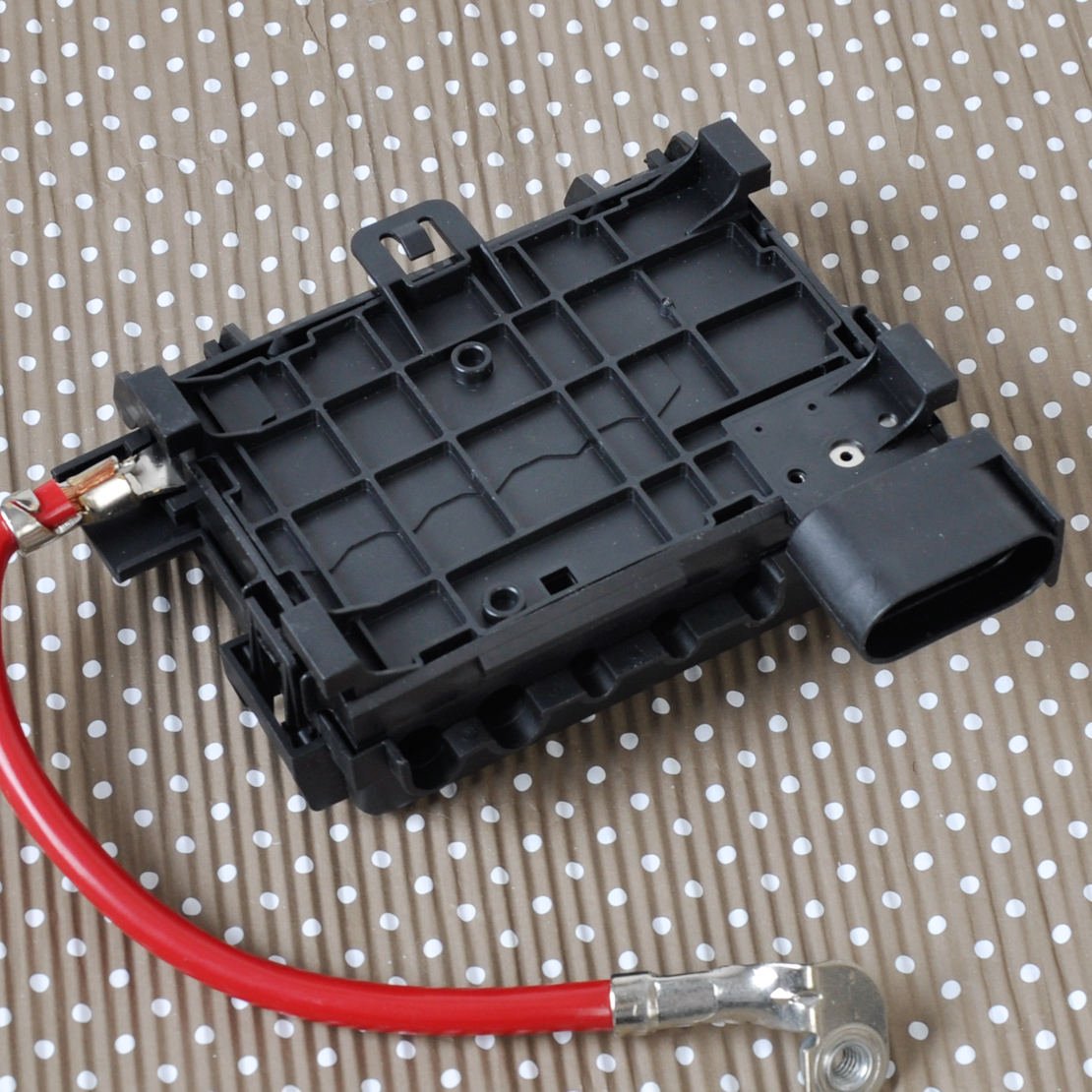 1 fuse box battery terminal for vw beetle golf bora jetta city Battery Terminal Fuse Holder at honlapkeszites.co