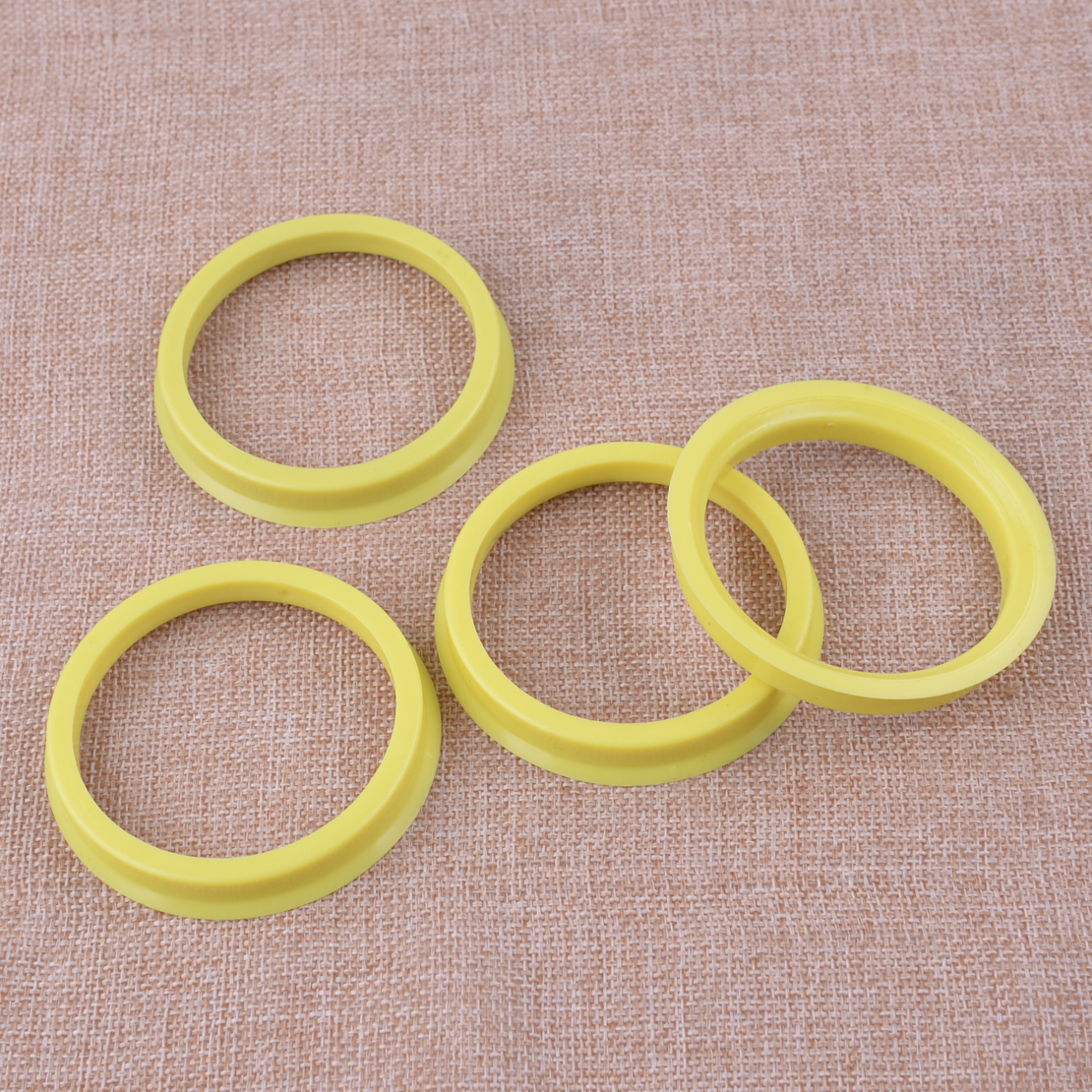 Set Wheel Centre Rings Rubber 66.6/ 4/Pieces /57.1 mm Black Yellow New